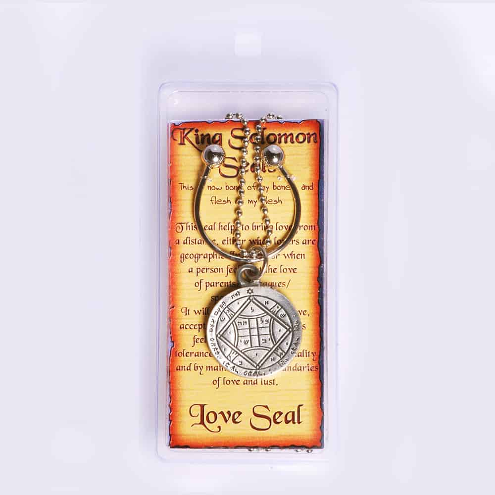 Key-holder-with-Pewter-Seal-for-Inc--Chain---Love2